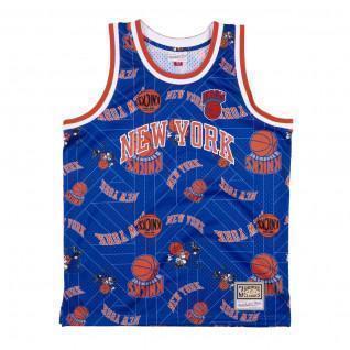 New York Knicks tear up jersey
