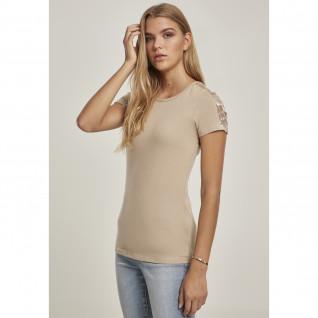 Woman's Urban Classic Lace Striped T-shirt